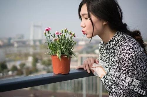 女人为何最容易长斑?日常生活做好这几点远离斑点!