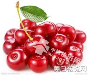 斑点就要吃光光,祛斑效果明显及常见的水果。