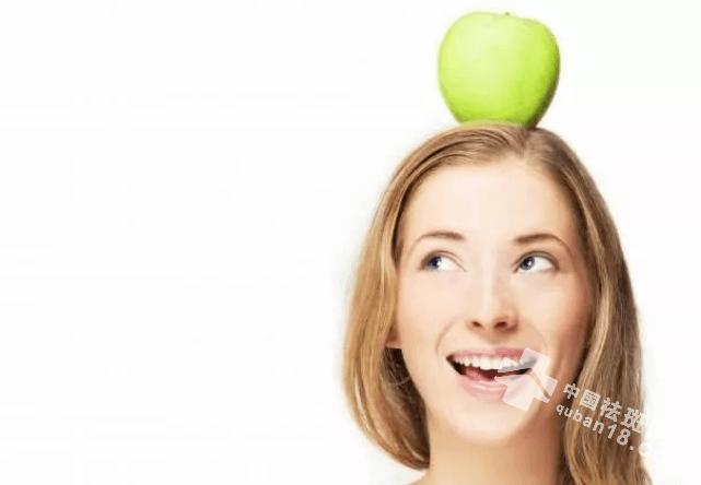 女人脸上长斑可能是什么原因?对症下药,轻松祛斑