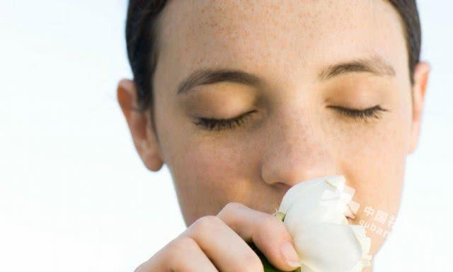 鼻子上长斑是什么原因 如何有效预防