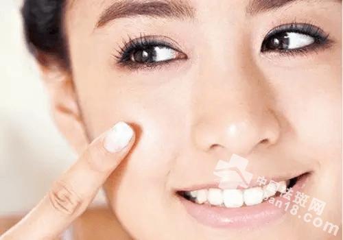 鼻子旁边有斑点怎么办?鼻子祛斑原来这么简单!
