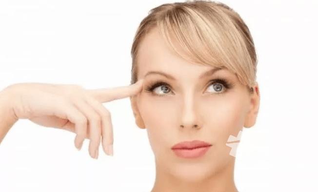 鼻子上眼睛周围长斑怎么去祛斑 几个小方法可以帮助你