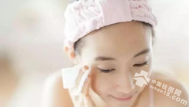 维生素E加上它睡前擦一次,使用28天淡斑美白,小脸水润透亮