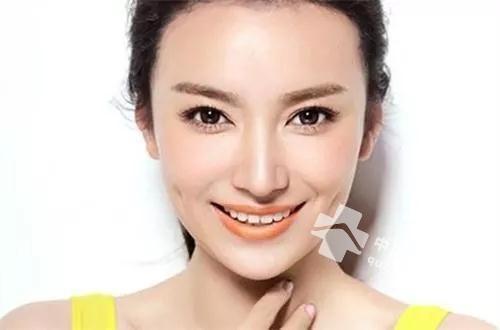 <a href=http://www.quban18.com/zhongyaoquban/canghonghuaquban/><a href=http://www.quban18.com/tag/canghonghua/>藏红花</a></a>+<a href=http://www.quban18.com/tag/danggui/>当归</a>,想<a href=http://www.quban18.com/tag/yangyan/>养颜</a>的<a href=http://www.quban18.com/tag/nvren/>女人</a>必备之选!