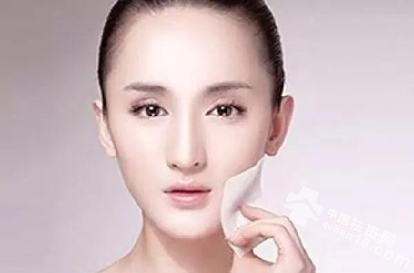 <a href=http://www.quban18.com/zhongyaoquban/sanqiquban/><a href=http://www.quban18.com/tag/sanqi/>三七</a></a>别单吃,加两味......搭配得当,效果更出众!