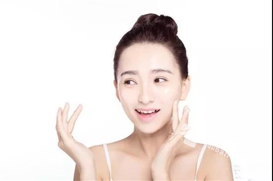 <a href=http://www.quban18.com/51quban/nvxingquban/><a href=http://www.quban18.com/tag/nvxing/>女性</a></a>吃<a href=http://www.quban18.com/zhongyaoquban/sanqiquban/><a href=http://www.quban18.com/tag/sanqi/>三七</a></a>:秒变女神,惊艳众人